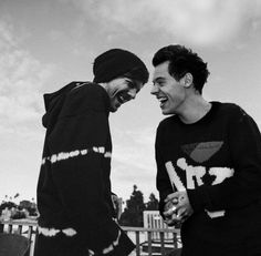 larry stylinson in 5 years on We Heart It Larry Stylinson, Lgbt, One Direction Wallpaper, Larry Shippers, Black And White Aesthetic, Wattpad, Louis And Harry, Louis Tomlinsom, Getting Back Together