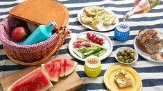The Well-Equipped Guide to Summer Dining Outside Best Portable Grill, Gas And Charcoal Grill, Beach Picnic, Backyard Beach, Backyard Ideas, Watermelon Margarita, Chocolate Chip Recipes, Chocolate Chips, Food Obsession