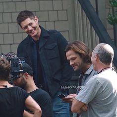 Jensen and Jared on set