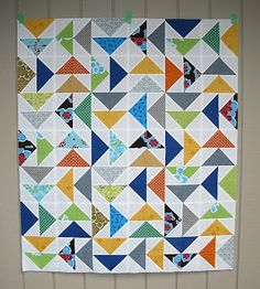 I like the overall pattern with no sash or borders. Lap Quilts, Scrappy Quilts, Small Quilts, Mini Quilts, Flying Geese Quilt, Bird Quilt, Quilting Projects, Quilting Designs, Quilting Ideas