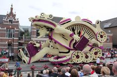 Incredible New Floats at Zundert Flower Parade 2013 - My Modern Metropolis