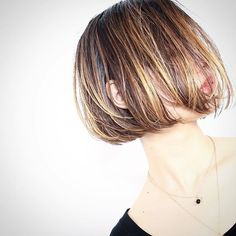 Chic Hairstyles, Short Bob Hairstyles, Hairstyles With Bangs, Dark Blonde Hair Color, Hair Color And Cut, Medium Hair Styles, Short Hair Styles, Natural Hair Styles, Hair Health And Beauty