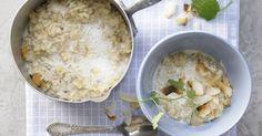 Naturreis-Porridge mit getrockneter Mango und Kardamom: Perfekt für alle, die es süß mögen und schon morgens richtig Hunger haben.