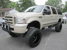 Lifted Excursion, Ford Excursion Diesel, 2005 Ford Excursion, Ford 4x4, Lifted Ford, Lifted Trucks, Trucks Only, Cool Trucks, Big Girl Toys