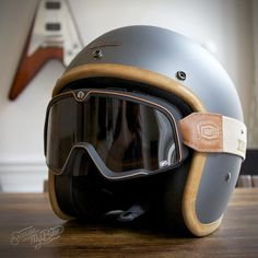 hedonist ash heron helmet, the barstow ornamental conifer gibson flying V Scooter Vintage, Vintage Helmet, Cool Motorcycle Helmets, Motorcycle Style, Custom Helmets, Custom Bikes, Gibson Flying V, Cafe Racer Helmet, Moto Cafe