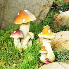 1 Pair 25cm 20cm Garden Ornament Gardening Decoration Resin Mushroom Outdoor Garden Art  Figurine House Home Decor Ornament