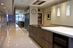 Holland and Green has been synonymous with some of the finest Kitchen Extensions in South West London and Oxford. New Kitchen Designs, Interior Design Kitchen, Kitchen Decor, Interior Modern, Kitchen Ideas, House Extensions, Kitchen Extensions, Modern Zen House, Grand Designs Magazine
