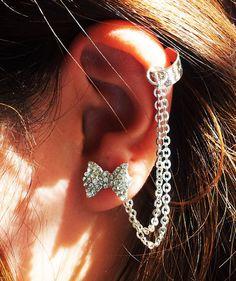 This beautiful rhinestone ear cuff set was made using silver chain, silver plain ear cuff and cute rhinestone bow earrings.    This stunning set is