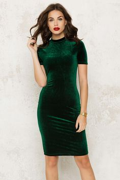 VELVET FEVER DRESS GREEN van Loavies.com