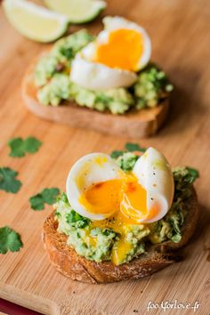 Immer der Brunch: Avocado-Brot, Eiermollet, Minze und Koriander - Food for Love Source by RosemarieV Brunch Recipes, Breakfast Recipes, Avocado Hummus, Avocado Egg, Avocado Toast Healthy, Avocado Dessert, Avocado Butter, Cooking Recipes, Healthy Vegetarian Recipes