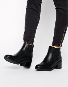 Image 4 of New Look Elmo Black Block Heel Chelsea Boots