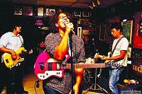 """Alabama Shakes - Boys & Girls.  Un gruppo di ragazzi che riesce a esordire nel panorama musicale internazionale con un album convincente e denso di lucido sound.  Il sogno di tanti giovani si avvera per gli Alabama Shakes, band proveniente dal Sud degli Stati Uniti che con """"Boys & Girls"""" si presenta al pubblico con un disco che riesce a emozionarci grazie a dei brillanti arrangiamenti indirizzati verso una classica strada rock-blues tutta da ascoltare."""