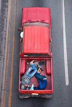 Alejandro Cartajena. Car Poolers.    http://alejandrocartagena.com/