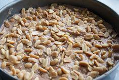 Hämmentäjä: Snickers-kakku Pie Recipes, Macaroni And Cheese, Oatmeal, Beans, Vegetables, Breakfast, Ethnic Recipes, Food, The Oatmeal