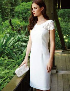 Robe blanche: texturée Robe