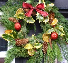 Traditional Fresh wreath