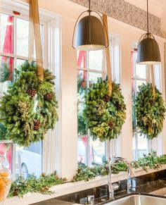 Two weeks after hanging these wreaths, they still look just as pretty! Tree House Decor, Home Decor, Vintage Wreath, Holy Night, Silent Night, How To Make Wreaths, Pine Cones, Tablescapes, Christmas Wreaths