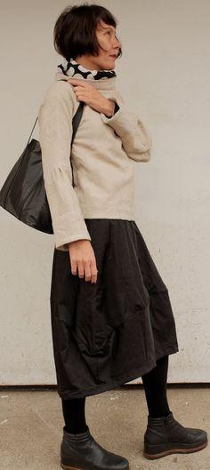 Pullover Donna - Maglia Beige - Maglione Donna - Pullover Beige - Pullover a Fiori - Maglia Maniche Lunghe - Pullover Minimal - Collo Alto di atelierPop su Etsy