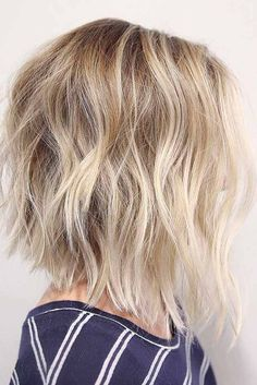Sexy Shoulder Length Haircuts for Summer 2017 ★ See more: http://glaminati.com/sexy-shoulder-length-haircuts/