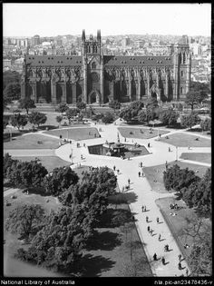 ** St Mary's Cathedral and Hyde Park. Sydney Ville, Hyde Park Sydney, Sydney City, Great Photos, Old Photos, Aboriginal History, Historical Architecture, Historical Pictures, Australia