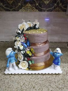Cake Decorating Piping, Snow Globes, Home Decor, Interior Design, Home Interior Design, Home Decoration, Decoration Home, Interior Decorating