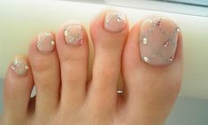 Silver glitter trellis on nude. I'm seeing a lot of toes on Pinterest lately. Weird.