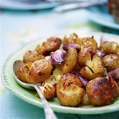 Crispy crushed potatoes with fennel and garlic.