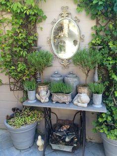 Garten, Flohmarkt - Susan in de Overgang Rustic Gardens, Outdoor Gardens, Cottage Garden Design, Garden Whimsy, Small Gardens, Garden Projects, Garden Ideas, Garden Pots, Balcony Garden