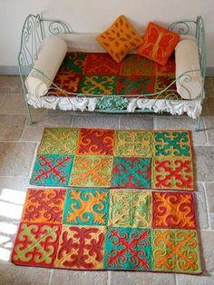 http://www.shirdakshoponline.com/products/1/260606_felt01_rect540 by silk road textiles Holland