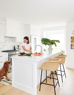 Natural Light & Cheerful Hues Illuminate This Lively Home Modern Farmhouse Kitchens, Home Kitchens, Woven Bar Stools, Bc Home, Separating Rooms, All White Kitchen, Bright Kitchens, Contemporary Kitchen Design, Kitchens