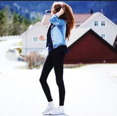 How to wear converse high tops casual white chucks 64 Ideas How To Wear White Converse, White Converse Outfits, White High Top Converse, High Cut Converse Outfit, Mode Converse, Estilo Converse, Converse Shoes, Cheap Converse, Pink Converse