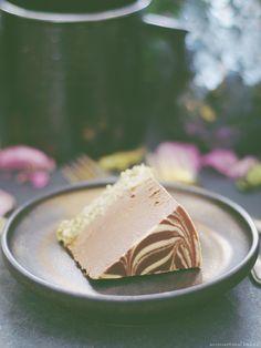 Chocolate Cauliflower Ice Cream Cake (Raw-Ish / No Bake, and Free From: gluten & grains, dairy, nuts, eggs, and refined sugar)