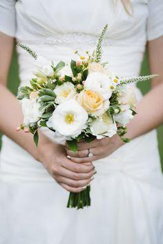 Peach inspired bouquet. #wedding #flowers