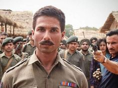Did Shahid Kapoor's reply to a fan indicate that he felt sh**ty about failure of 'Rangoon'?