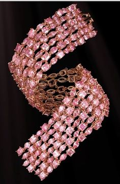 Pink Diamond Bracelet-Features 204 superbly cut Natural Pink Diamonds, stones originate from the legendary Argyle Mine in Western Australia