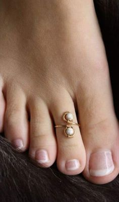foot jewellery Boho gypsy tribal toe ring knuckle ring simple toe ring Red spiral adjustable brass toe ring stackable ring midi ring