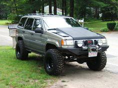 Jeep Grand Cherokee ZJ With Custom Hood
