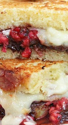 """Dessert Grilled Cheese Sandwiches """"Made with Pound Cake, Chocolate, Fresh Raspberries, and Gooey, Melted Brie Cheese. Grilled Cheese In Toaster, Grilled Cheese Recipes, Grilled Cheeses, Wrap Recipes, Dog Recipes, Grilling Recipes, Delicious Sandwiches, Wrap Sandwiches, Grilled Sandwich"""