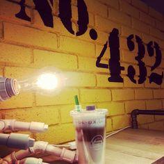 #Cafe No.432#Caramel Macchiato#Smoothie Watch Tumbler#Hand Made Light Stand#Yellow#카페432#카라멜 마키아토#스무디워치#스무디워치텀블러#옐로나잇