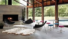 Coconut Chairs in Modern Abodes