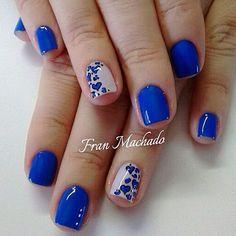 Nailarts Flower Nail Designs, Nail Art Designs, Mani Pedi, Manicure And Pedicure, Royal Blue Flowers, Nail Tape, Blue Acrylic Nails, Nail Technician, Flower Nails