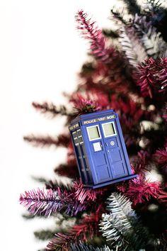 Doctor Who Christmas Tree - Tardis Ornament