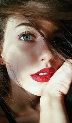 Ultrabeautiful girl