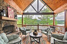 Absolutely Beautiful - Mega Decks Design Ideas http://freshoom.com/4429-absolutely-beautiful-mega-decks-design-ideas/