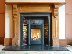 Kernow Fires Contura classic in a wood mantle wood burning stove installation in Cornwall. Wood Burner Fireplace, Wood Mantle, Fireplace Inserts, Fireplace Ideas, Victorian Terrace Interior, Victorian Homes, Inset Log Burners, Insert Stove, Tiny Homes