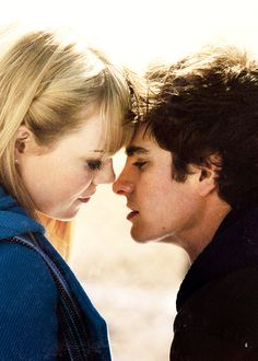 Andrew Garfield and Emma Stone cutest couple ever Emma Stone Andrew Garfield, Emma Love, Cutest Couple Ever, Gwen Stacy, Perfect Together, Amazing Spiderman, Marvel Vs, Celebrity Couples, Famous Faces