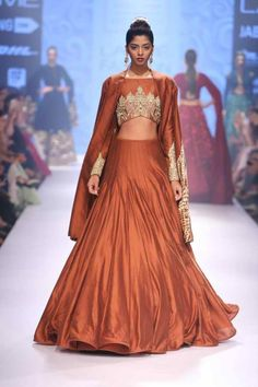 Lakmé Fashion Week – LAKMÉ SALON BRIDFAL SHOW BY NEETA LULLA Pakistani Bridal Wear, Pakistani Outfits, Indian Outfits, Designer Bridal Lehenga, Bridal Lehenga Choli, Fashion Shows 2015, Neeta Lulla, Indian Look, Bollywood Fashion