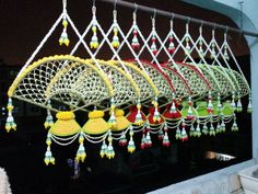 เครื่องแขวนพัดจีน Flower Garlands, Diy Flowers, Reception Decorations, Flower Decorations, Flower Patterns, Flower Designs, Indian Wedding Theme, Cultural Crafts, Thai Art