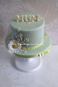 Simple daisy cake