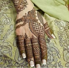 The mehndi provide uniqueness and attractiveness to your decorated design. In this article, you will see Simple Mehndi Designs For Beginners. Latest Arabic Mehndi Designs, Indian Mehndi Designs, Back Hand Mehndi Designs, Mehndi Designs Book, Modern Mehndi Designs, Mehndi Designs For Girls, Mehndi Designs For Beginners, Mehndi Design Photos, Wedding Mehndi Designs